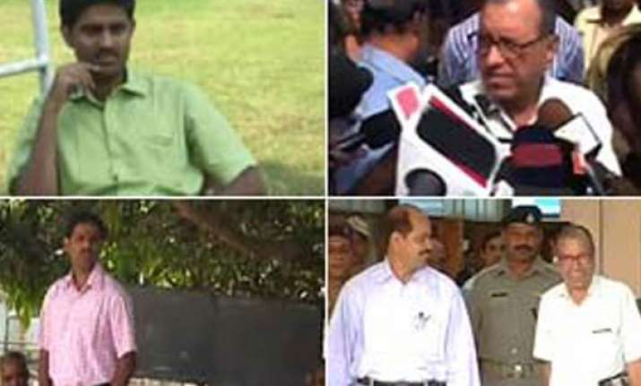 hostages safe govt says no combing operns against naxals