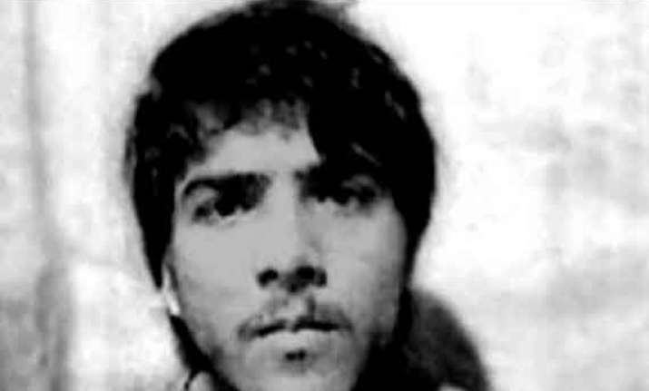 how father s refusal to buy new clothes forced kasab to