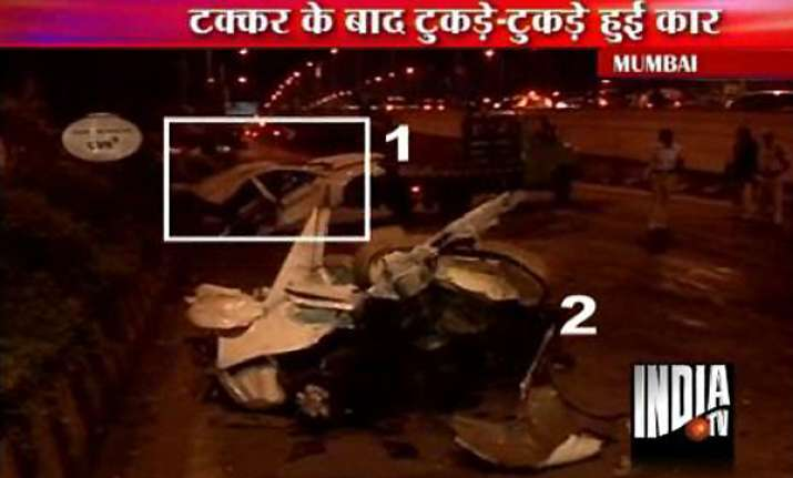 hyundai sonata car at 150 kmph hits divider breaks into two
