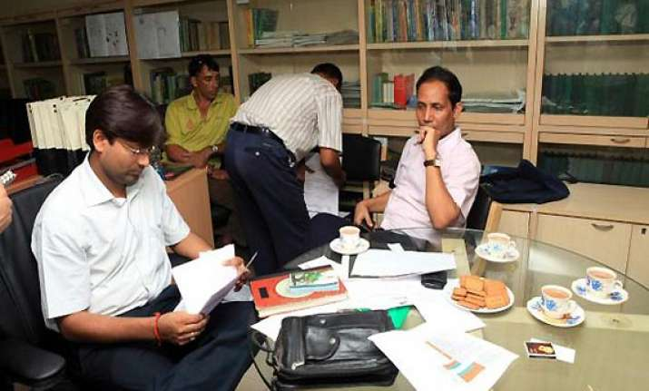 i t conducts nationwide searches on premises of nsel members
