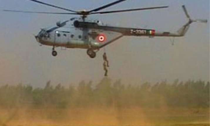 iaf chopper lands in bengal field
