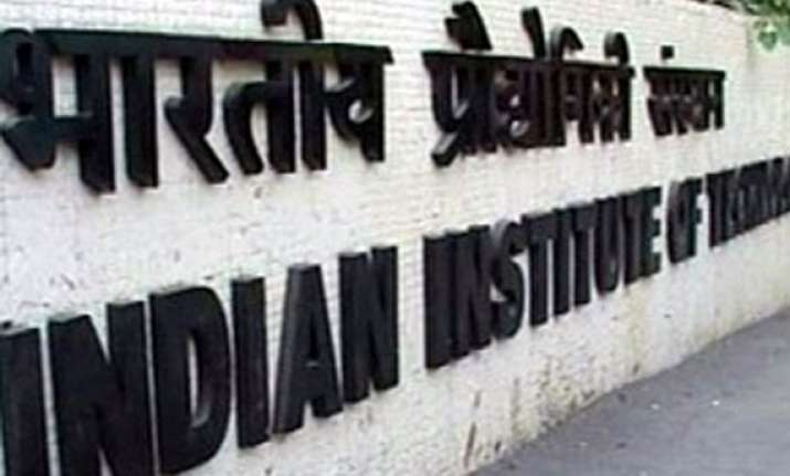 iits declare minimum scoring percentages for entrance tests