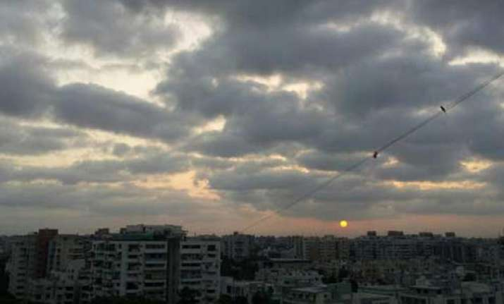 imd predicts dry hot week in north rains likely in northeast