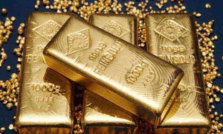 it dept seizes gold silver worth rs 12 cr from shop in bihar