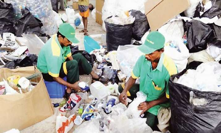 itc to use rag pickers to clean up bangalore