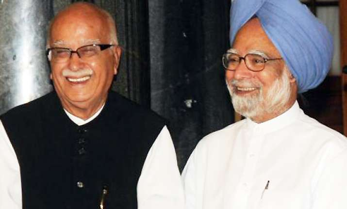 i pity manmohan singh says advani