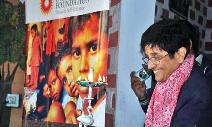 i t dept sends notices to two ngos of kiran bedi