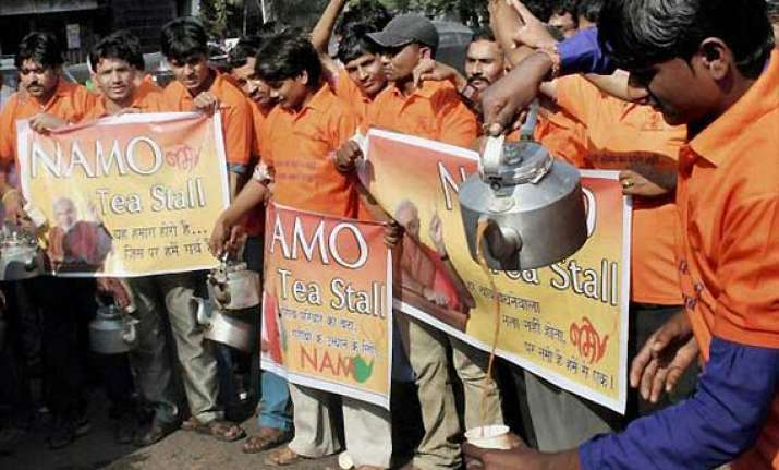in bjp ruled bhopal modi tea sells for rs 10 kejriwal tea