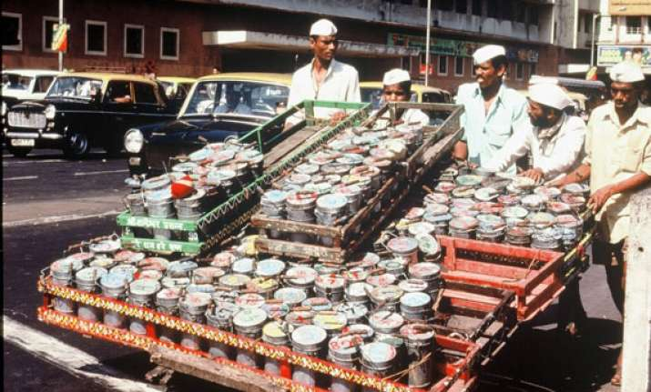 in pics the dabbawala of mumbai