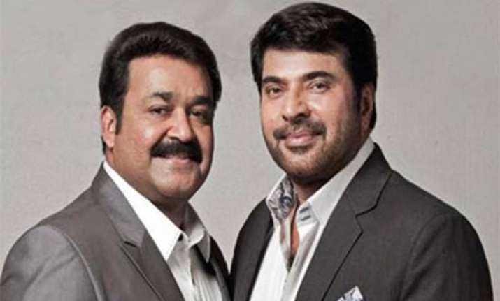 income tax officials raid malayalam actors mammootty