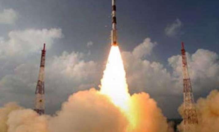 india s mars orbiter spacecraft to reach target in 75 days