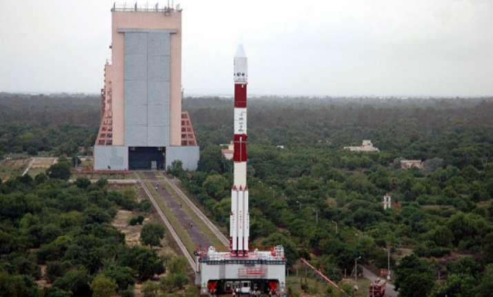 india to launch mars mission 2 days after delhi on nov 5