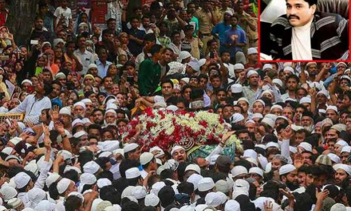 dawood ibrahim managed huge crowd at yakub memon s funeral