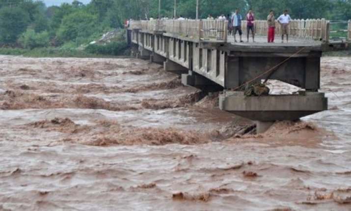 j k govt to provide seeds fertilisers to flood hit farmers