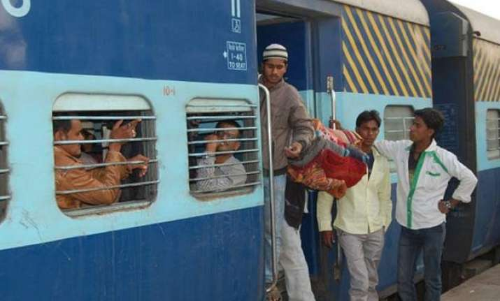 delhi agra train fare less than 1 kg of apples railways