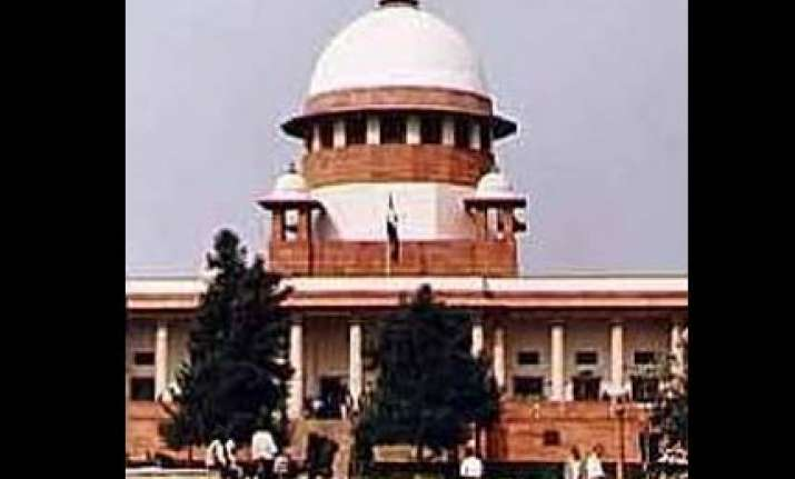 sc restrains guj govt from giving ishrat case to sit