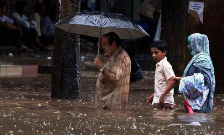 heavy rains kill 18 in uttar pradesh