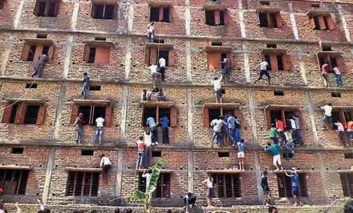 bihar 600 students expelled for cheating on board exams
