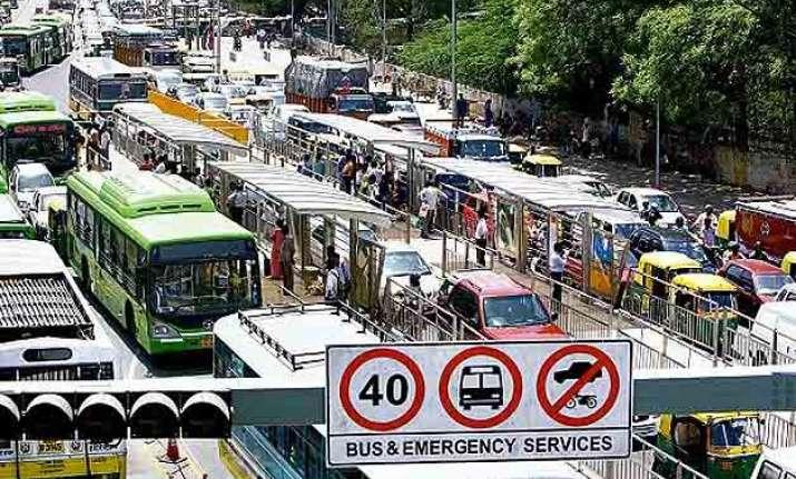 delhi govt decides to scrap brt corridor in south delhi