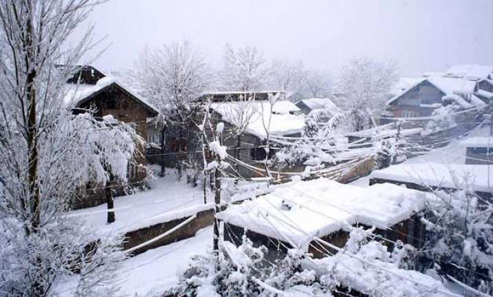 winter eases in northern plains fresh snowfall in kashmir