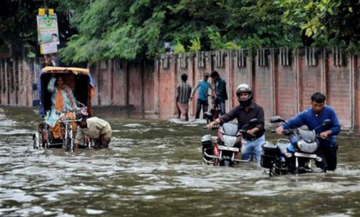 three die as rain lashes bihar