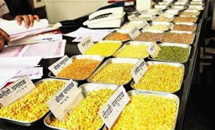 shortage pushes up dal price tur costs rs 180 per kg