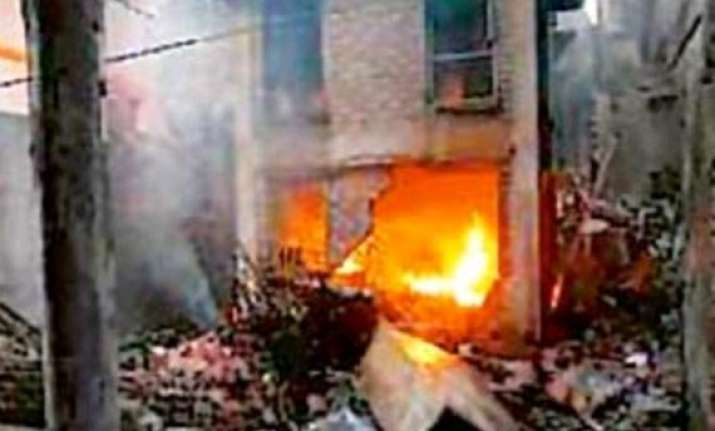 two more houses used by blast suspect found in burdwan