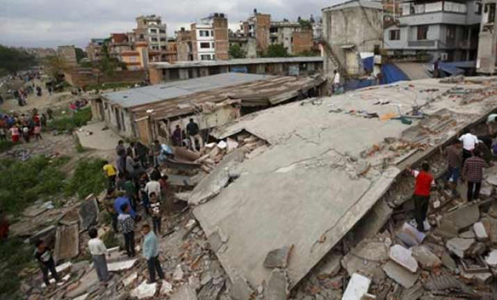 entire himalayan region vulnerable to quakes says study