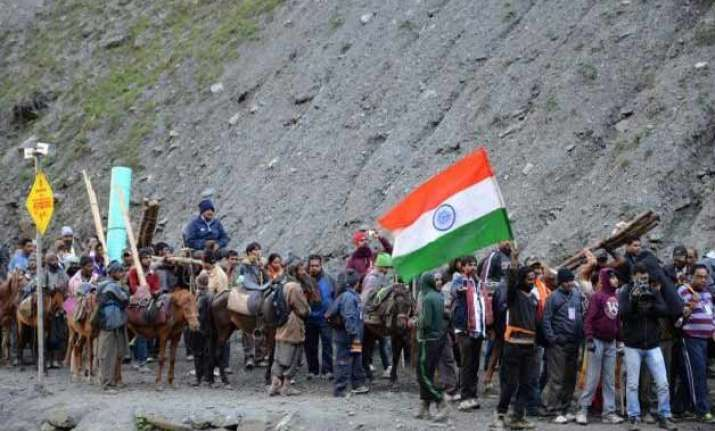 fresh batch of 769 pilgrims leaves for amarnath shrine