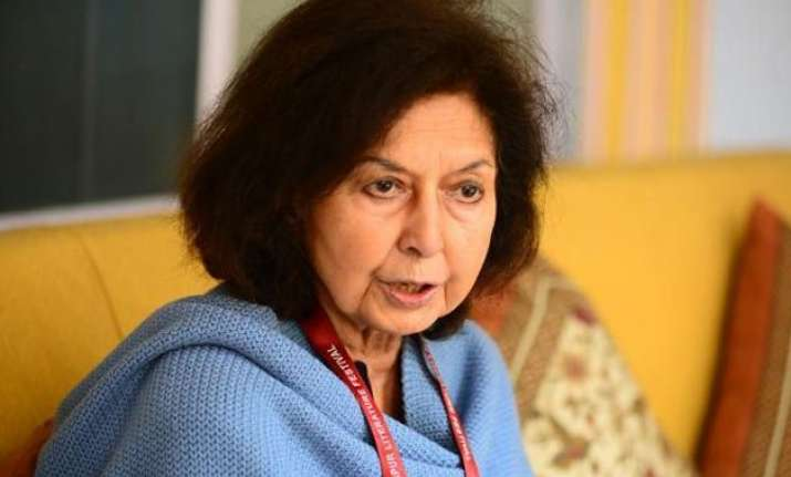 award wapasi row nayantara sahgal agrees to take her award