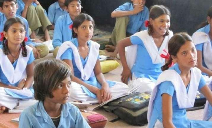 uttar pradesh govt school girls to get free sanitary pads