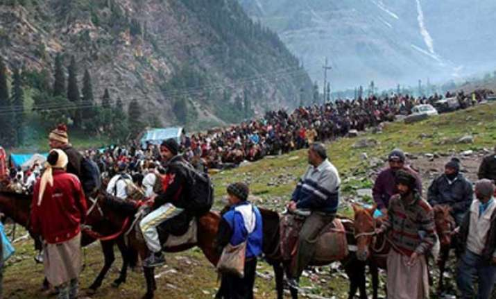 amarnath yatra resumes after day long hault