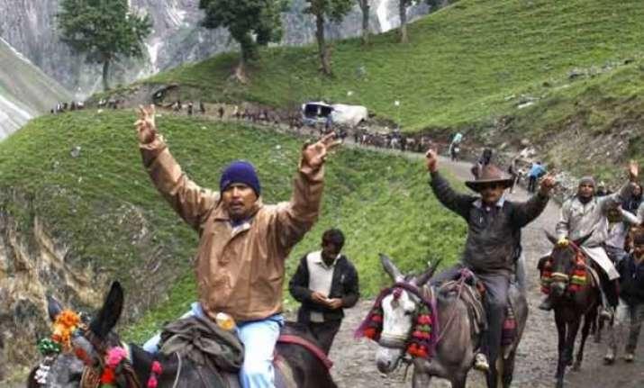 fresh batch of 1 720 pilgrims leave for amarnath