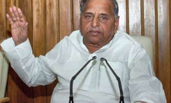 mulayam says his remarks against women were deliberate