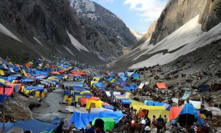 second batch of 1 525 pilgrims leave for amarnath yatra