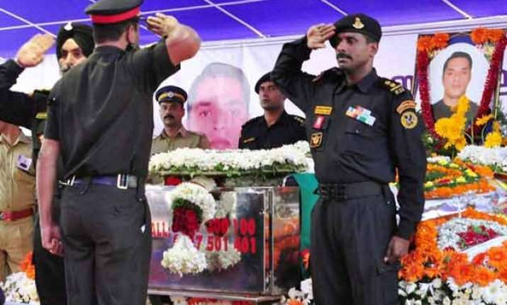 thousands pay respect to nsg commando niranjan e.k.
