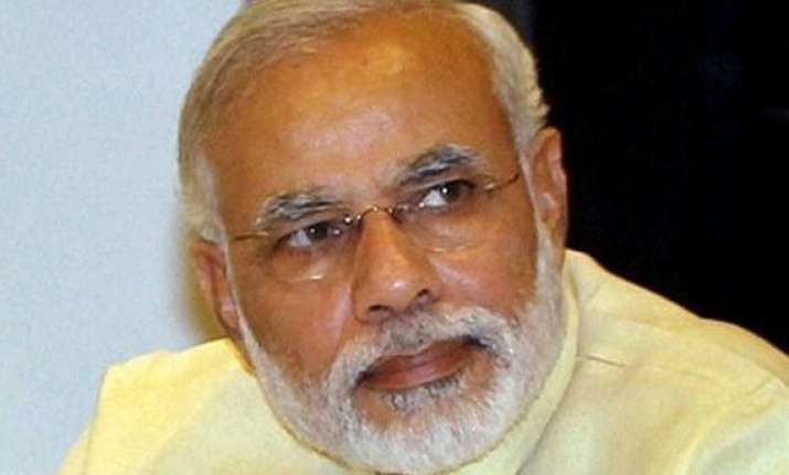 pm modi asks states to grab 100 bn investment
