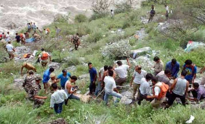 seven killed 26 missing as bus falls into himachal river