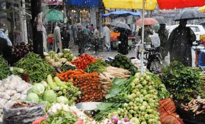 vegetable prices soar upto 60 from mandi to retail cart