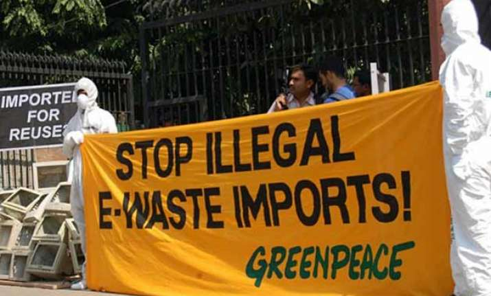 foreign fundings to greenpeace india blocked