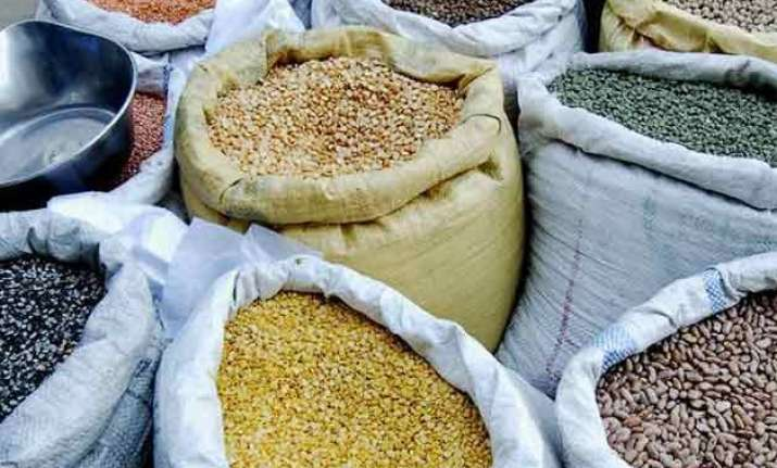government puts stock limits on pulses by big retailers