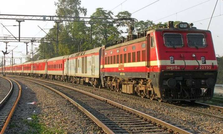 top 10 fastest trains in india