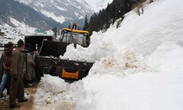 3 killed by landslides in jammu and kashmir