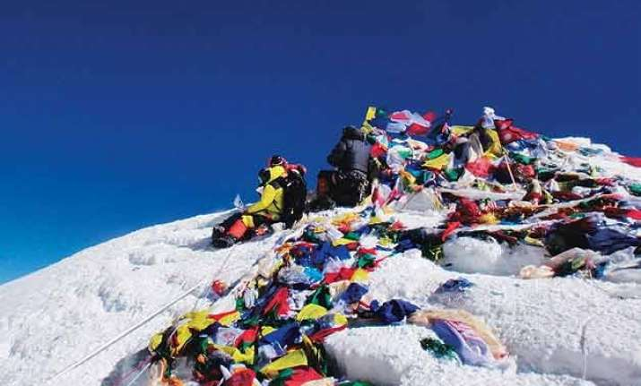 indian army set to scale everest to bring down tonnes of