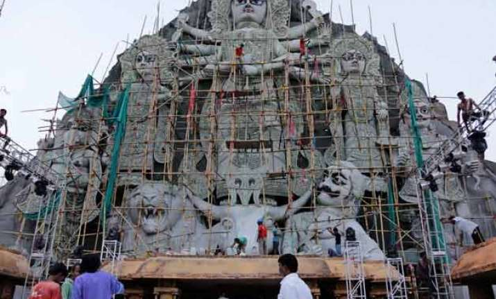 kolkata police bars entry into park hosting tallest durga