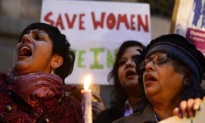 cic directs delhi women commission to disclose rape records