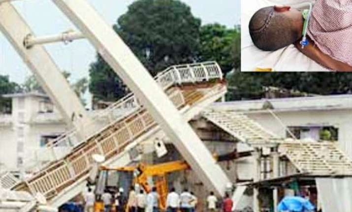 delhi govt leaves foot overbridge collapse victim to die
