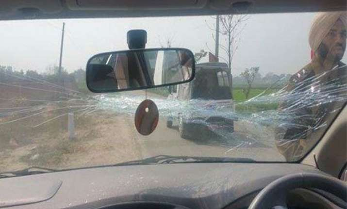 delhi cm arvind kejriwal says his car attacked in ludhiana