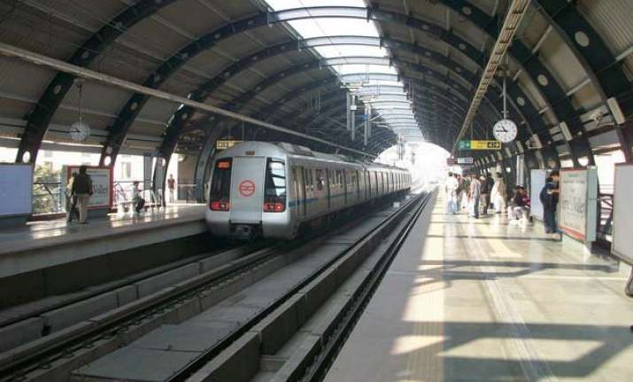 delhi metro to install transparent dustbins at 10