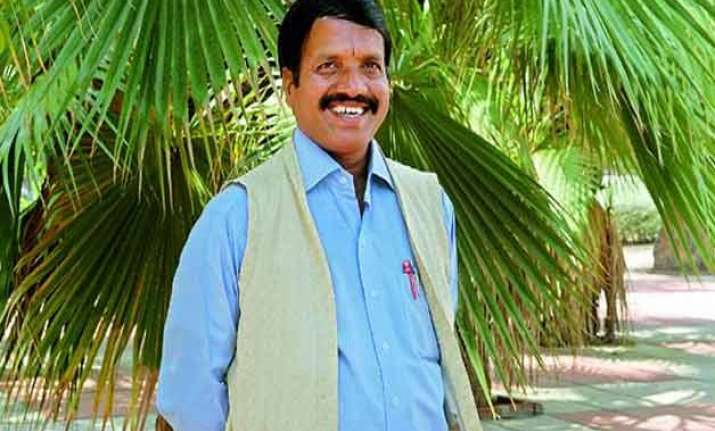 kcr hires vaastu expert at rs 75 000 a month to rebuild